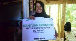 LAZ HARFA BANTU IBU NINING, SANG GURU HONORER 15 TAHUN YANG 'TINGGAL' DI WC