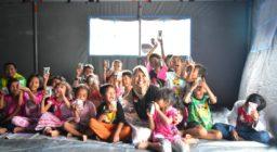 LAZ Harfa Adakan Trauma Healing dan Berbagi Paket Kebahagiaan Kepada Korban Kebakaran TPSA Bagendung