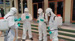 Bentuk Tim Siaga Covid-19, Penyemprotan Disinfektan Dilakukan di Sejumlah Masjid