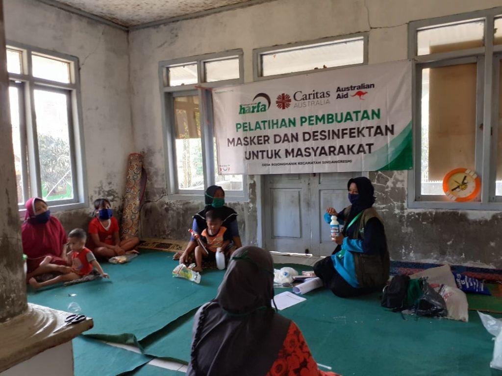 Meningkatkan Protokol Kesehatan di Desa, Laz Harfa Berikan Pelatihan Pembuatan Masker dan Disinfektan